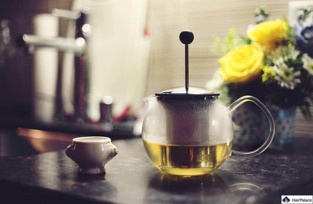 Grüner Tee ist einer der besten natürlichen DHT-Blocker